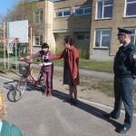 Padaužiukas (priešmokyklinio ugdymo pedagogė Vida Vaišnorienė) pasakoja apie savo nelaimes gatvėje