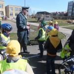 Prieš kapitonų rungtį R. Vinčiūnas aptarė su vaikais, kokios 4 dalys privalo būti kiekviename dviratyje