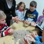Kinetinio smėlio galimybių išbandymas