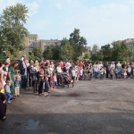 Susirinkę į Rugsėjo 1-osios šventę