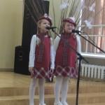 """Palangos lopšelio-darželio """"Gintarėlis"""" dainininkės (mokytoja Aurelija Stonkutė)"""