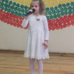 Mažoji Lėja deklamuoja apie gintarus