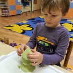 """Grupės """"Uosiukai"""" vaikų eksperimentinė veikla"""