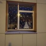 """Grupės """"Perliukai"""" languose taip pat plevena atminimo žvakutės."""