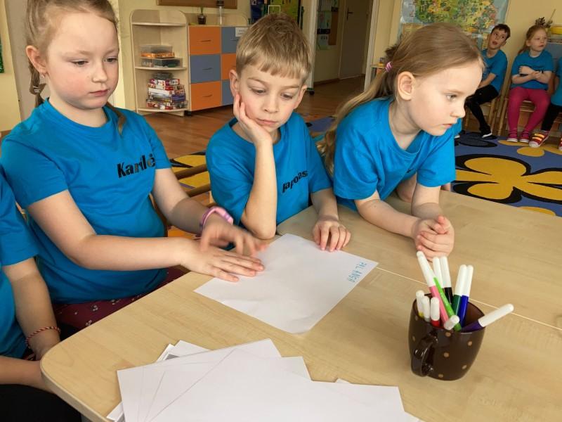 Priešmokyklinukai jau geba ne tik skaityti, bet ir rašyti